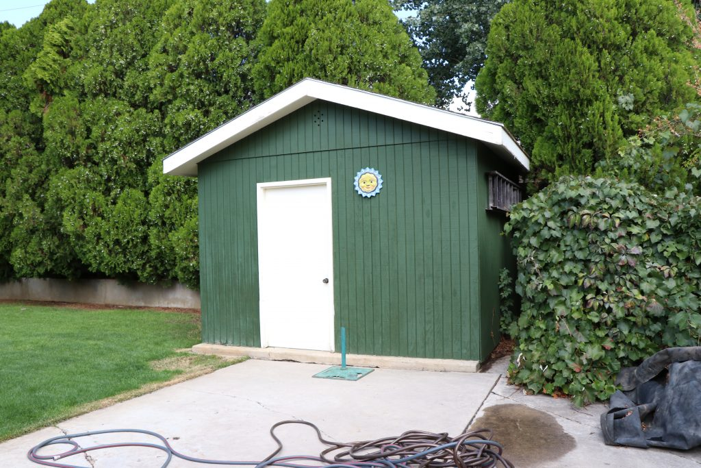 how to paint your outdoor shed - Before 1