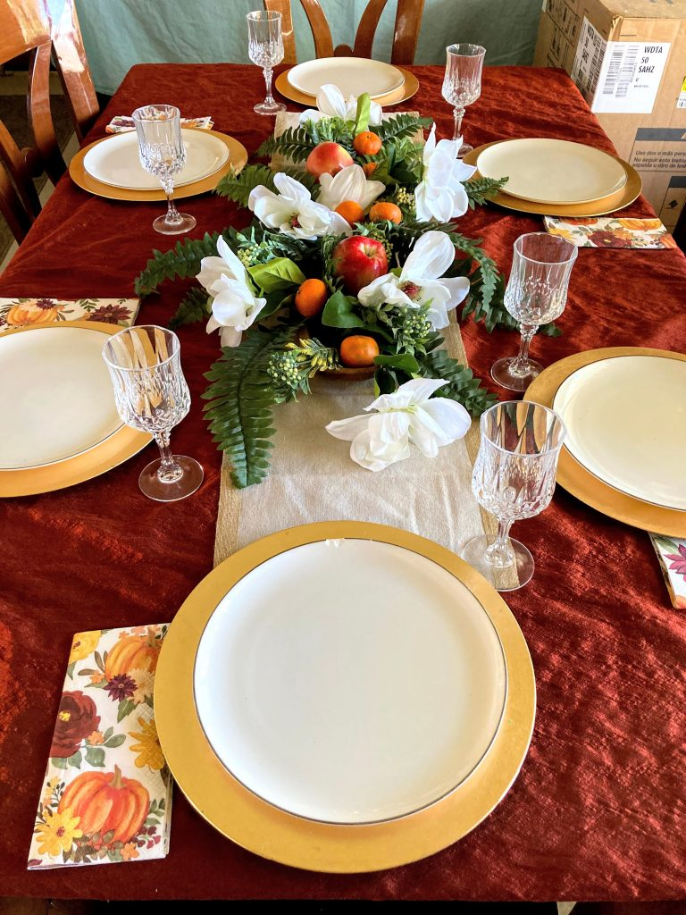 Easy Formal Look for Your Thanksgiving Table | DIY