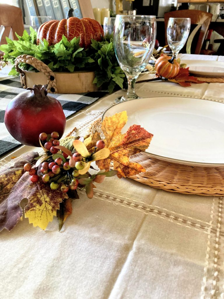 Simple and Rustic Thanksgiving Decor DIY